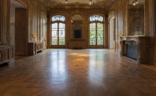 Artcurial, Liquid Gold, Paris