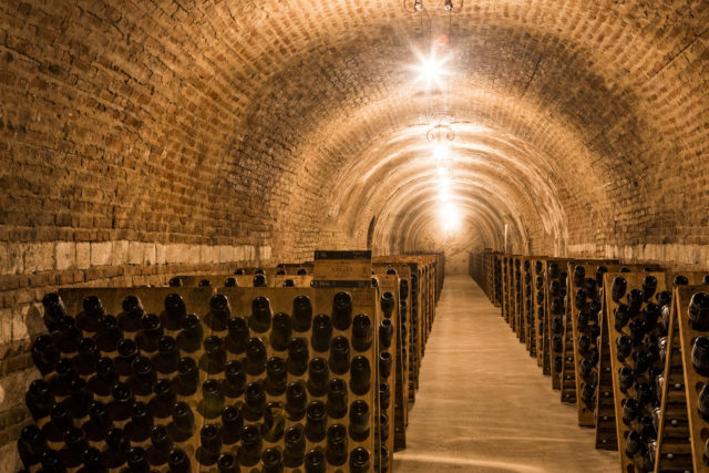 caves Champagne Collet